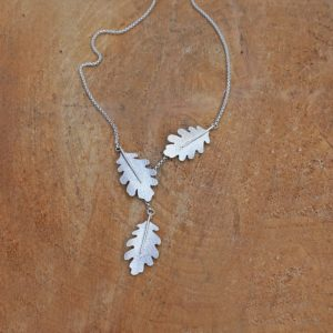 Oak Leaf Lariat Necklace, Textured Leaf Jewellery, Nature Neckalce