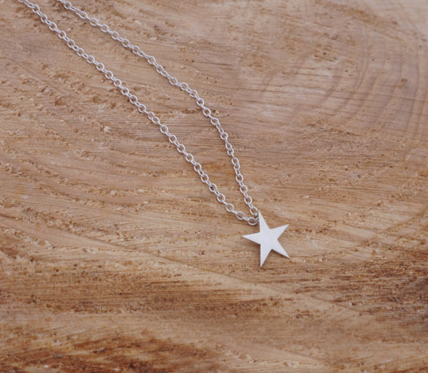 Single star pendant