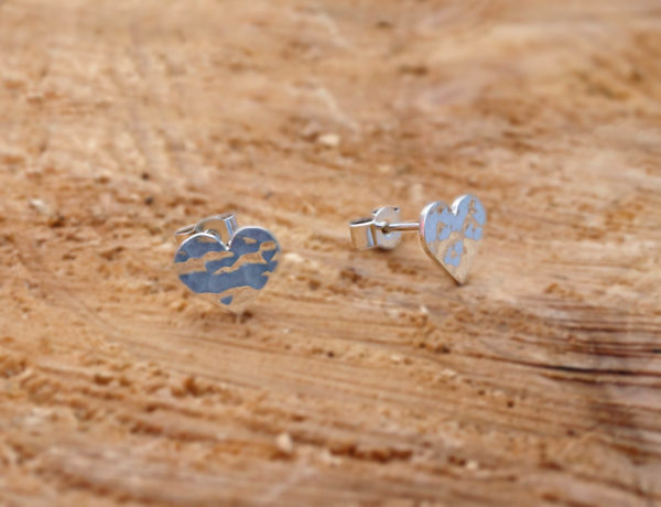 hammered hearts studs