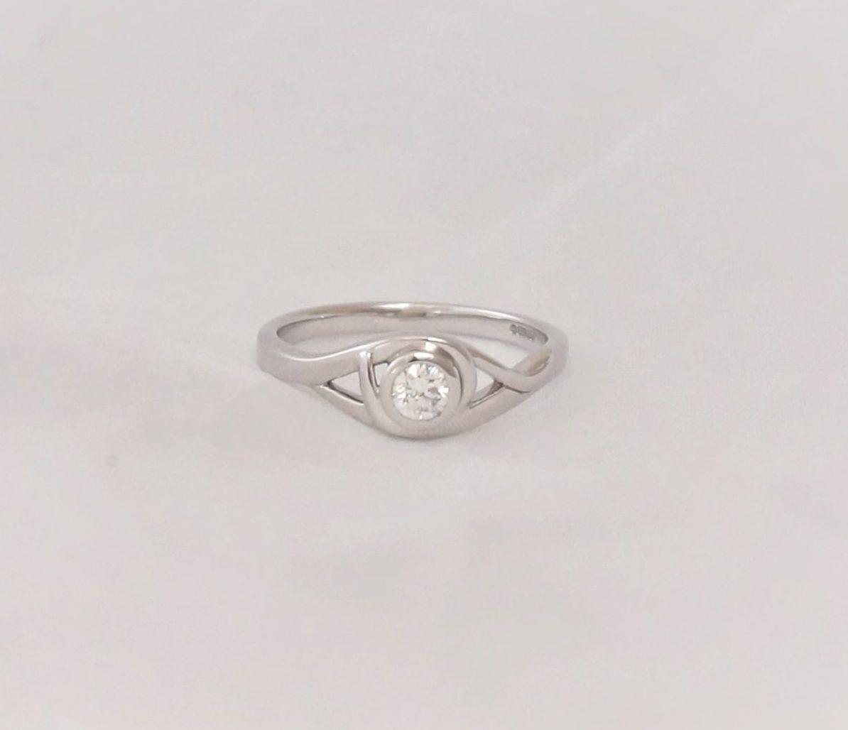 Park Road Jewellery, Bespoke Handmade Engagement Ring 9ct White gold Diamond Personalized Ring